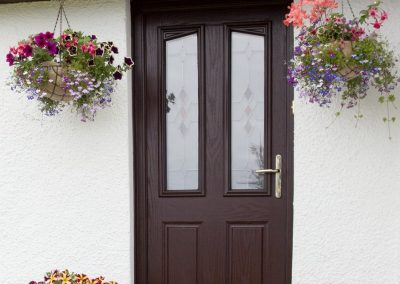 strathgorm_doorway_with_hanging_baskets