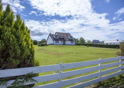 strathgorm_house_lawn_blue_sky_10
